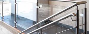Üvegkorlátok esetében érdemes betartani a biztonsági szabványokat!
