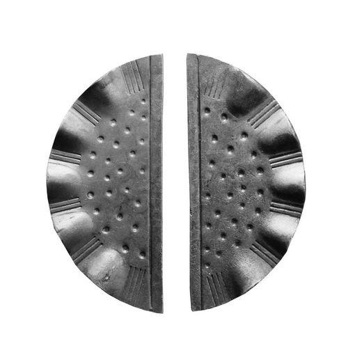 R 841/53 kovácsoltvas kilincsek, zártakaró lemezek